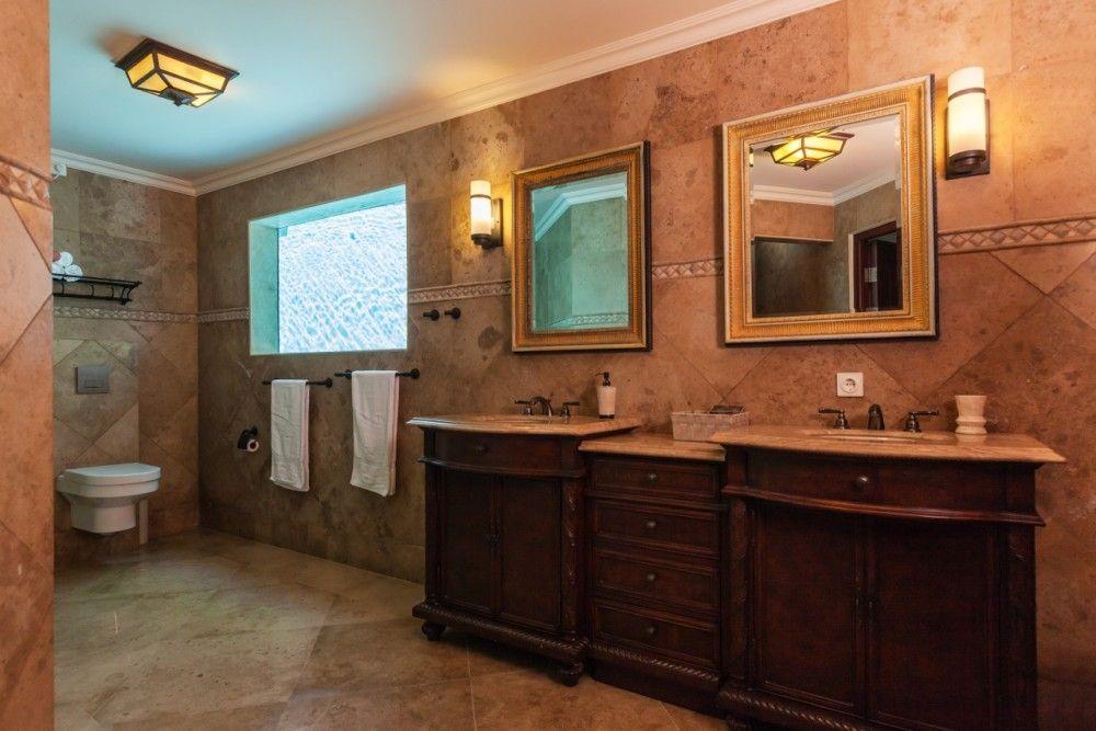 kura-hulanda-guest-bathroom-1000x667