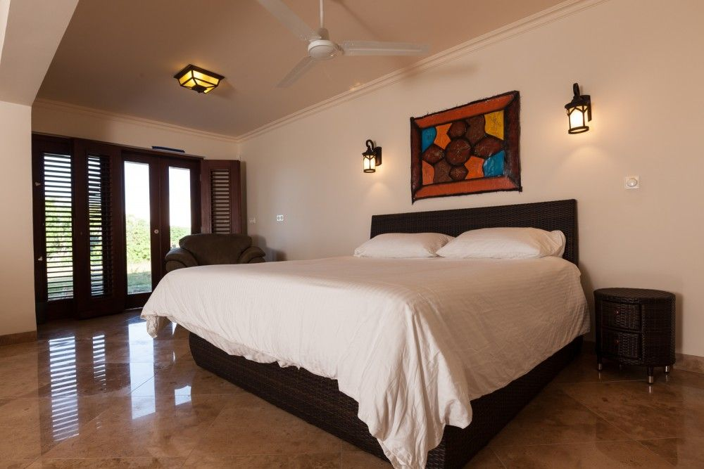 kura-hulanda-guest-bedroom-2-1000x667
