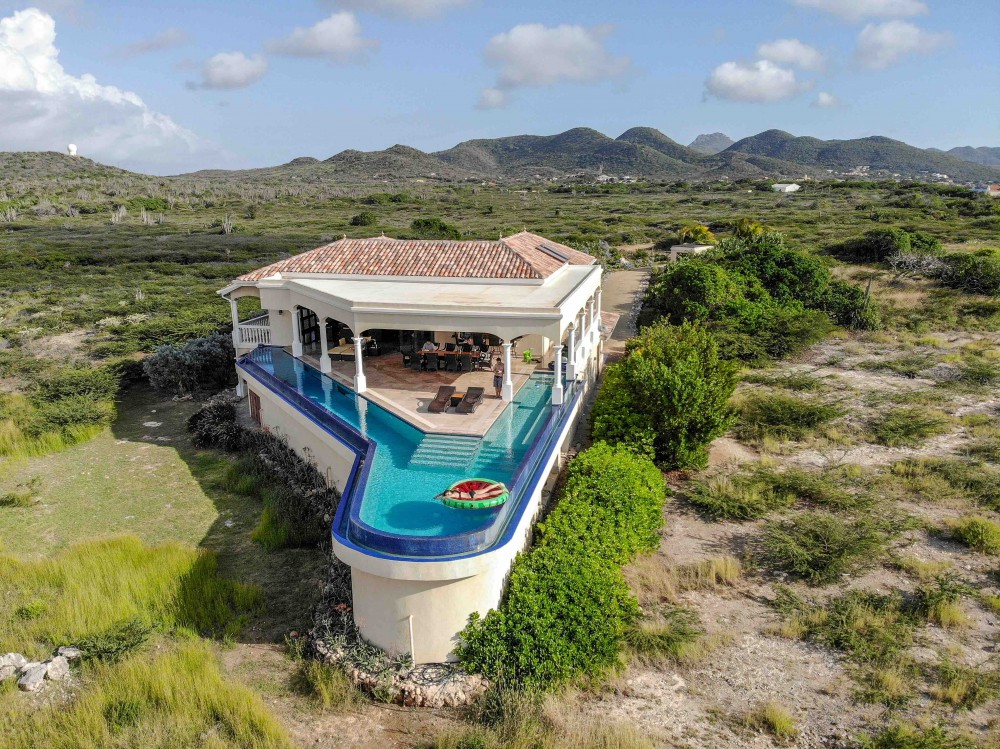 waterfront-house-for-sale-curacao-1000x749