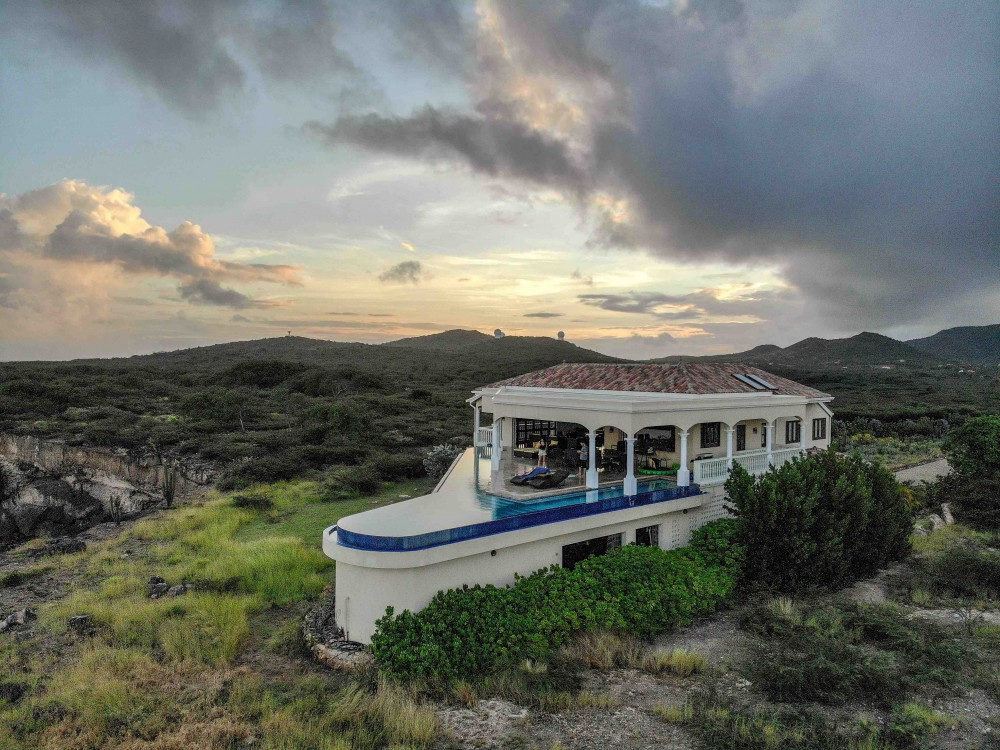 waterfront-house-for-sale-curacao-2-1000x750